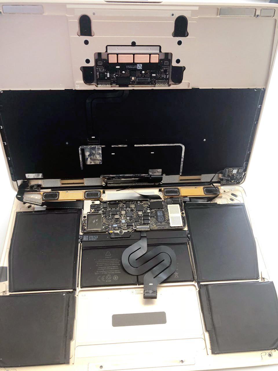 Замена шлейфов MacBook